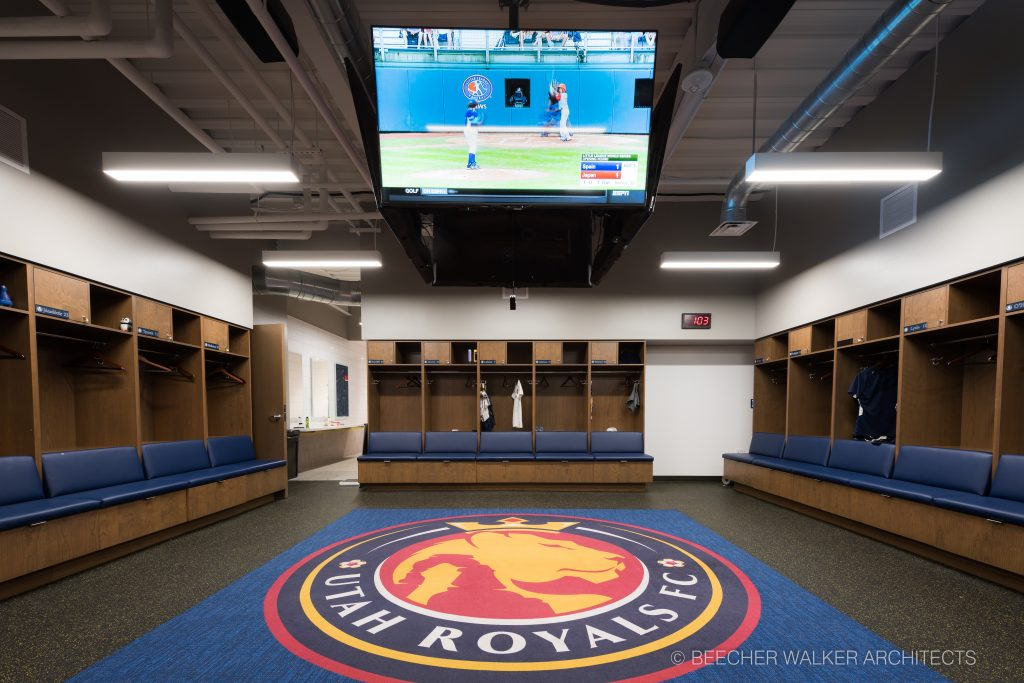 royals-fc-locker-1605